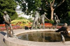 """Brunnen """"Der Lauf des Geldes"""""""